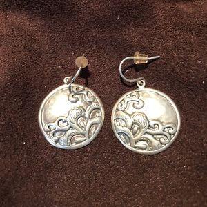Jewelry - Beautiful Silver tidal wave earrings